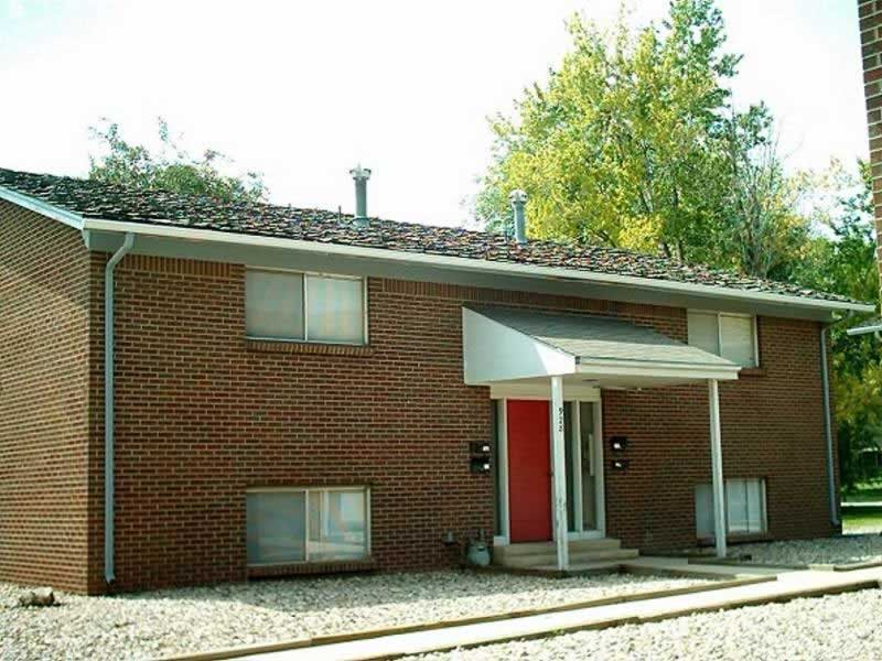 Fort Collins Apartment for Rent – 917 James Ct. #3